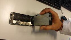 Een kapotte iPhone 5s waaruit Stellar nu data probeert terug te halen